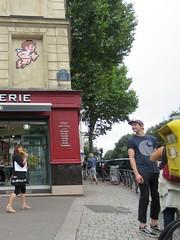 Space Invader PA_1218 (tofz4u) Tags: 75019 paris streetart artderue invader spaceinvader spaceinvaders mosaque mosaic tile pa1218 cupidon street rue people mas corn boulangerie boitelettres letterbox kidicarus