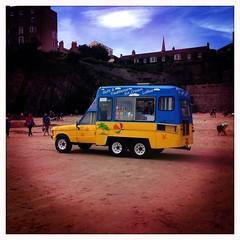 (Marklucylockett) Tags: wales 2016 marklucylockett august uk pembrokeshire beach seaside tenby hipstamatic iphone icecreamvan rangerover