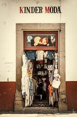 Kinder Moda (hapePHOTOGRAPHIX) Tags: 484mex 484mic amricadelnorte estadodemichoacndeocampo mexico mexiko michoacn mxico nikond2x nordamerika northamerica ptzcuaro hapephotographix mx