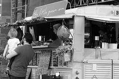 The Little Green Van 03 (byronv2) Tags: citroen vintage van thelittlegreenvan littlegreenvan diner cafe promenade portobello sea seaside edinburgh edimbourg scotland forth firthofforth rnbforth river coast coastal peoplewatching candid street coffee