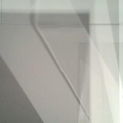 E infine abbandona l'impresa (plochingen) Tags: anvers antwerp belgium belgique abstrait abstract astratto derive abstrakt white pale light minimal less grey flou blur sfocatto