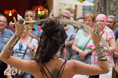 Fira Medieval de Besal - 2016 (levilo) Tags: besal garrotxa fadaverda fira feria medieval danza danzarinas girona catalunya spain folclore levilo pentax