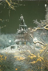 ID: RU-3754108 (LillieBuggy) Tags: postcrossing received postcard statue winter snow