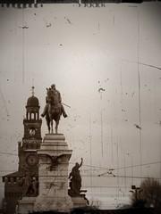 Garibaldi arriva a Milano (faccina87) Tags: milano garibaldi castellosforzesco città piazzacairoli passeggiare