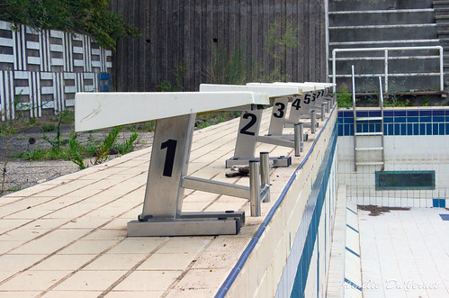 "La piscine dans la garrigue • <a style=""font-size:0.8em;"" href=""http://www.flickr.com/photos/60395175@N00/8103425404/"" target=""_blank"">View on Flickr</a>"