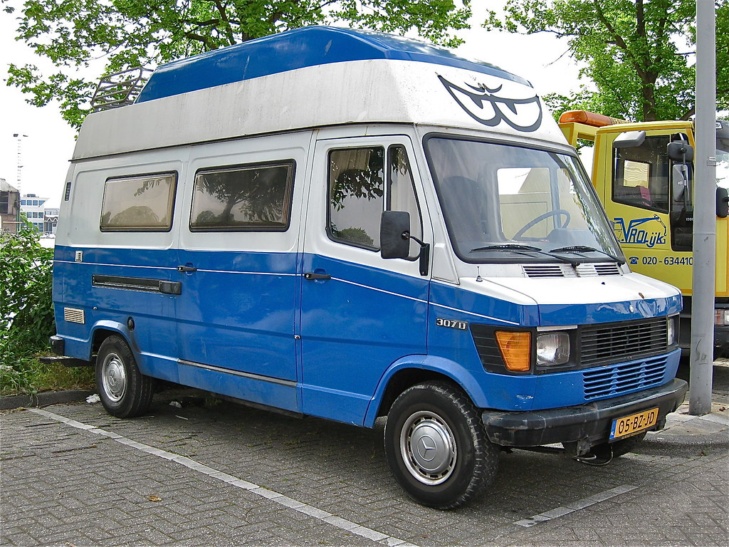 The world 39 s best photos of 307d and camper flickr hive mind for Camper mercedes