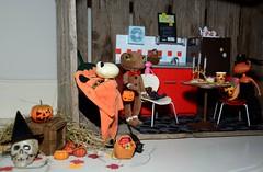 Happy Halloween! (toomuchdolls) Tags: wanda frog haloween treat trick grenouille kikker wonderfrog