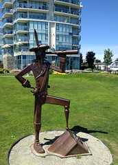 Very piratical statue (Ruth and Dave) Tags: sidney sidneyonthesea park statue pirate telescope looking pegleg