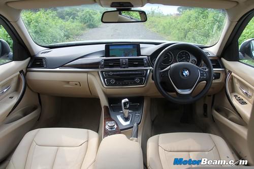 2012-BMW-320d-F30-31