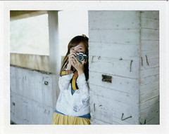 . (Daa) Tags: portrait color film girl polaroid taiwan cc instant even taichung fujifilmfp100csilk konicainstantpress