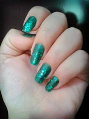 Verde Diferente com escama de peixe - brilho de sereia (Aninha T.) Tags: unhas nailarts clubedoesmalte flickrandroidapp:filter=berlin clubdoesmalte