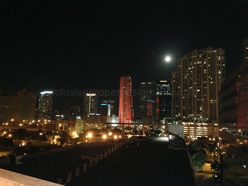 Miami, Brickell at night