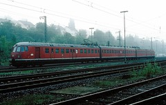 456 107  Neckarelz  29.09.84 (w. + h. brutzer) Tags: analog train germany deutschland nikon eisenbahn railway zug trains db 456 eisenbahnen triebwagen triebzug neckarelz et56 triebzge webru