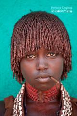 Hamar young girl - jeune fille Hamar (Patricia Ondina) Tags: ethiopie etiopia ethiopia thiopien africa african eastafrica afriquedelest valledelomo omovalley omo omoriver rivireomo africanrift portrait parure adornment etiopien etiopija etiopa etiyopy aetipia ornament pigments tradition rift africain riftafricain omopeople peuplesdelomo hamar hammar hammer hamer tribe tribal abyssinia travelphotography tribale ethnologie ethnology ethnic ethnie tribu ngc