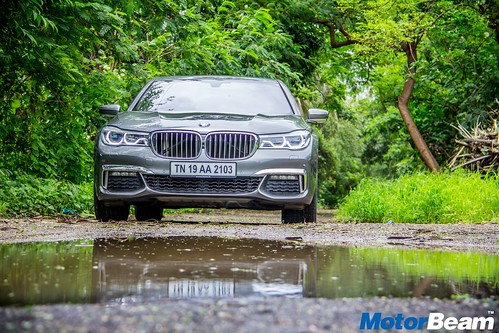 2016-BMW-7-Series-11