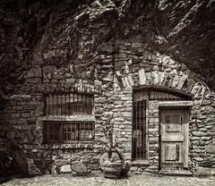 Cave House (Frank van Dam Utrecht) Tags: cave cavehouse monterosso monterossoalmare italy hww