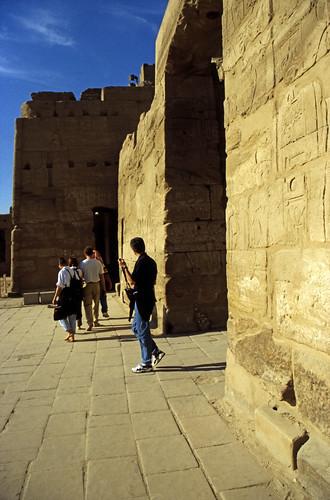 "Ägypten 1999 (321) Karnak-Tempel: 4. Pylon im Tempels des Amun-Re • <a style=""font-size:0.8em;"" href=""http://www.flickr.com/photos/69570948@N04/28993042291/"" target=""_blank"">View on Flickr</a>"