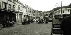 IMG_20160730_155633610MOD (luanameloo) Tags: encontro de motos ruas santos oldstreet motomeeting oldbuildings prediosantigos patrimoniodahumanidade coolplace yamaha honda suzuki harleydavidson ducate