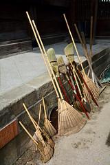 Keep Your Temple Clean (Mondmann) Tags: shofukujizentemple brooms temple fukuoka japan hakata asia eastasia rakes mondmann nikond7100 zentemple cleanliness kyushu