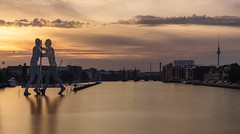 Molecule Men (martin.matte) Tags: berlin germany deutschland stadt europe europa sunset goldenhour goldenlight water spree oberbaumbrcke fernsehturm sky sonnenuntergang