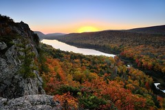 """Lake of the Clouds"" Sunrise in Michigan's Porcupine Mountains Wilderness State Park (Michigan Nut) Tags: statepark park autumn trees sky cliff usa mountain lake fall nature leaves forest sunrise landscape midwest michigan scenic wilderness upperpeninsula porcupinemountains lakeoftheclouds johnmccormick michigannutphotography nikon1635mmf4gedafsvrwideanglezoomlens"