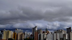 The storm is coming (RadamesM) Tags: cloud storm building paran skyline day cloudy stormy curitiba nuvens prdio edifcio tempestade
