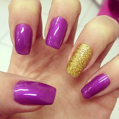 Purple (Sara Moreira de Oliveira) Tags: cute gold purple nail nails unhas roxo nailart revlon capricho purplenails unhasdecoradas goldnails unhadasemana clubedoesmalte unhasroxa