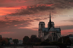 Sunset at Notre Dame de Paris (Eloy RICARDEZ LUNA) Tags: sunset red cloud sun paris france color colour sol church rouge soleil photo twilight rojo day cloudy lumire catedral iglesia frana sunny dia jour cathdrale ndp nublado capitale crepusculo nuage bd francia iledefrance glise crepuscule nube notredamedeparis coucherdesoleil puestadelsol soleado nuageux ensoleill cathdralenotredamedeparis nuestraseoradepars nuestraseoradeparis uuid baladesparisiennes coucherdujour parisianwalk paseoparisino