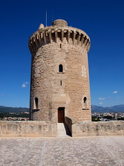 """Castell de Bellver - Palma - Turm • <a style=""""font-size:0.8em;"""" href=""""http://www.flickr.com/photos/87978117@N02/8128491750/"""" target=""""_blank"""">View on Flickr</a>"""