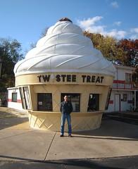 Twistee Treat (CollectoratorOne) Tags: icecream 1950s twisteetreat