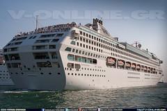 DAWN PRINCESS - PRINCESS CRUISES (http://v-online.gr) (V-ONLINE.GR) Tags: cruise ferry port boats boat ship ships vessel company cruiseship ferries vessels princesscruises dawnprincess λιμανι πλοιο πειραιασ βαπορια κρουαζιερα πλοια επιβατηγα καραβια εταιρεια vonlinegr vonline κρουαζιεροπλοια