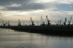 CONSTANA - Harbour Cranes (Andra MB) Tags: sea mer port meer mare harbour cranes romania blacksea karadeniz deniz constanta roumanie grues romanya rumnien kstence romnia mareaneagra 2013 mernoire macarale schwartzmeer