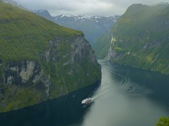 Cruise to the Geirangerfjord in Norway (Unesco world heritage) (Frans.Sellies) Tags: world heritage norway de la norge site norwegen unescoworldheritagesite unesco worldheritagesite list fjord unescoworldheritage sites worldheritage geiranger weltkulturerbe whs fjorden geirangerfjord noorwegen noreg humanidad patrimonio worldheritagelist welterbe kulturerbe patrimoniodelahumanidad heritagesite unescowhs patrimoinemondial werelderfgoed vrldsarv  heritagelist werelderfgoedlijst verdensarven wolrdheritagelist    patriomoniodelahumanidad    patriomonio p1050540 geirangrfjorden