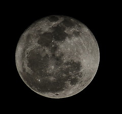 Moon 01-27-2013 (VinceFL) Tags: nikon luna orlandoflorida manfrottotripod lunartics tamronaf7030mmf456dildtelephotomacrolens nikond7000 vincefl moon01272013