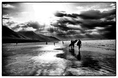 Surfers at Saltburn-by-the-Sea (David_Duncan) Tags: saltburnbythesea saltburn sea northsea beach surf surfer cloud bw blackandwhite
