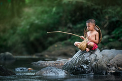 child fishing (diotamaphoto) Tags: river child childern nikon 70200 fishing human interest people nature landscape vilage old vsco