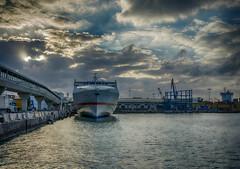 PROA ALMUDAINA DOS (josmanmelilla) Tags: melilla mar barcos muelle nubes espaa