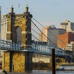 Suspension Bridge to Cincinnati thumbnail