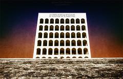 Il Colosseo Quadrato (Giuseppe Tripodi) Tags: palazzodellaciviltitaliana colosseoquadrato roma eur monumento artemoderna architettura italy travel viaggi
