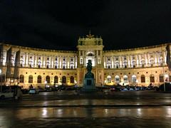 Wien - Hofburg (CocoChantre) Tags: denkmal heldenplatz hofburg nachtaufnahme wien sterreich at