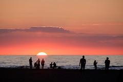 Sundown (lichtschacht-kiel) Tags: sundown sonne meer balticsea fuji sun light licht sea strand warnemnde sonnenuntergang outdoor