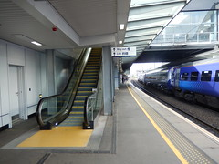 Haymarket platfom 4 and escalator, 2016 Sep 17 (Dunnock_D) Tags: uk unitedkingdom britain scotland station platform haymarket railway escalator train scotrail