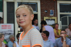 """Babysit Service Langweer"" (Davydutchy) Tags: langwar langweer parade merke langwardermerke langwarder optocht umzug dorpsfeest village feast festival babysit babysitter service boy face august 2016 optochtwagen praalwagen loopgroep float"