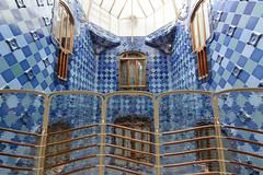 Casa Batll (ribbonhead) Tags: antonigaud casabatll architecture barcelona illadeladiscrdia