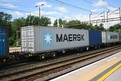 92627 Northampton 040816 (Dan86401) Tags: 92627 rls92627 92 kfa freightliner fl intermodal modal container flat wagon freight rls standardwagon touax northampton wcml 4m63 maersk