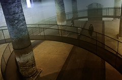 linee e curve al cloudscapes (invitojazz) Tags: venice scale architecture stairs cool nikon uncool pillars biennale venezia architettura arsenale d90 cool2 pilastri cool5 cool3 cool4 uncool2 uncool3 uncool4 uncool5 uncool6 uncool7 invitojazz vitopaladini