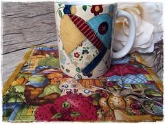 MUG & RUG by DASDE (**DASDE Artes!**) Tags: quilt mug patchwork caneca mugrug tapetedecaneca