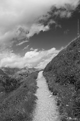der weg_net (peter pirker) Tags: sky blackandwhite bw cloud way hiking himmel wolken wandern weg peterfoto peterpirker