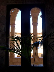 """Castell de Bellver - Palma - Fenster • <a style=""""font-size:0.8em;"""" href=""""http://www.flickr.com/photos/87978117@N02/8128493658/"""" target=""""_blank"""">View on Flickr</a>"""