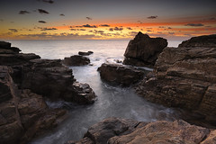 Le Puits d'Enfer ~ Le Château d'Olonne [ Vendée ~ France ] (emvri85) Tags: sunset seascape nature rocks coucherdesoleil rochers lessablesdolonne zf2 lechateaudolonne distagont3518 paysdesolonnes lepuitsdenfer